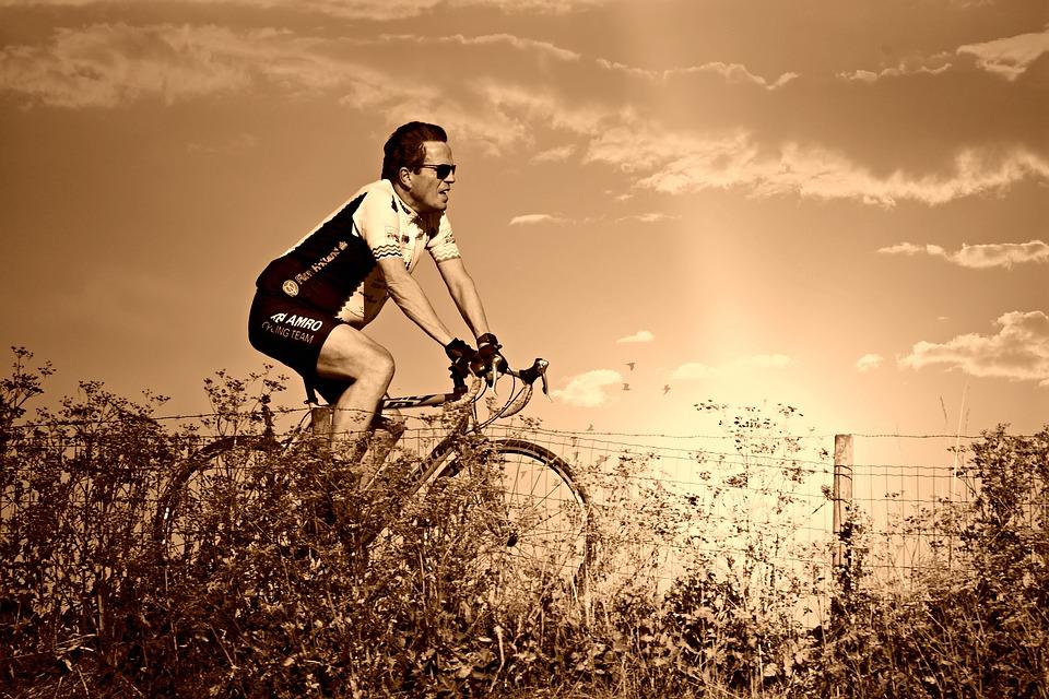 racing cyclist 3935053 960 720